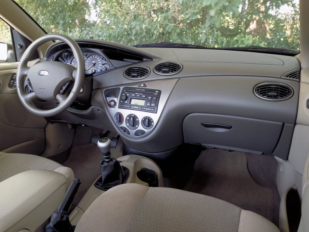 Ford Focus 1 interior