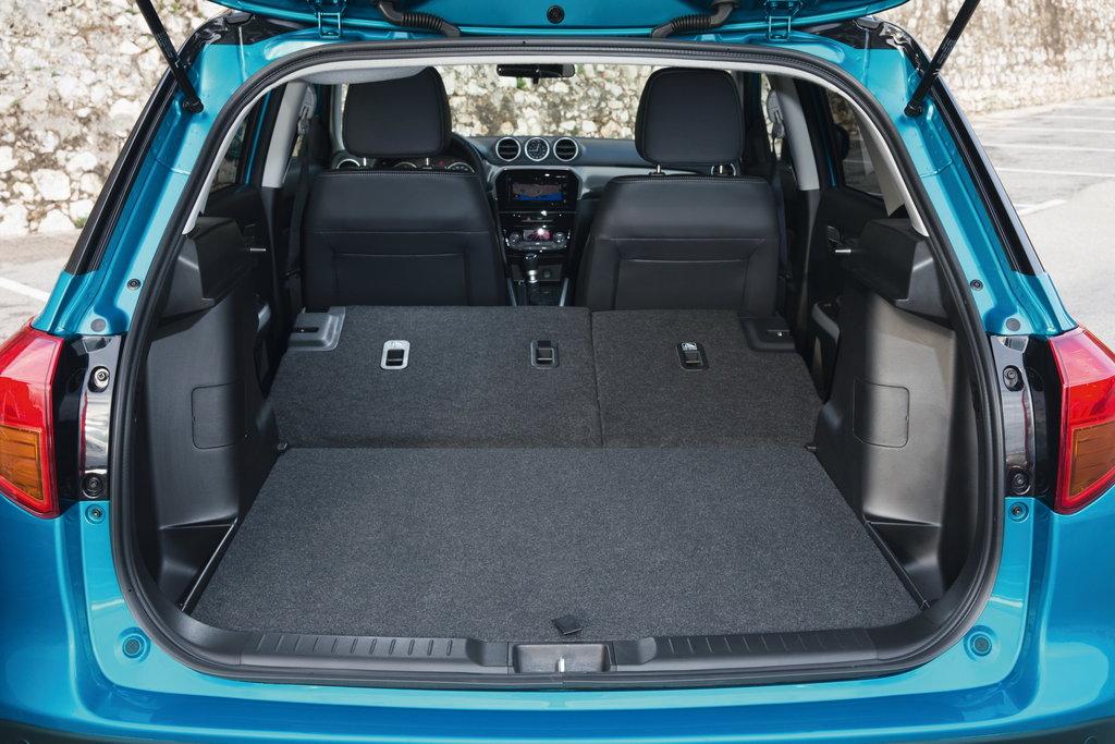 Suzuki Grand Vitara interior