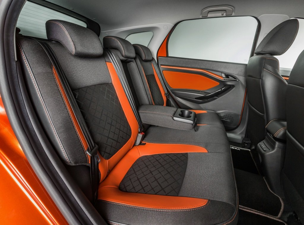 Lada vesta Sw cross 2019 interior