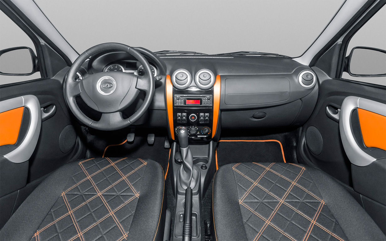 Lada Largus Cross interior 2018