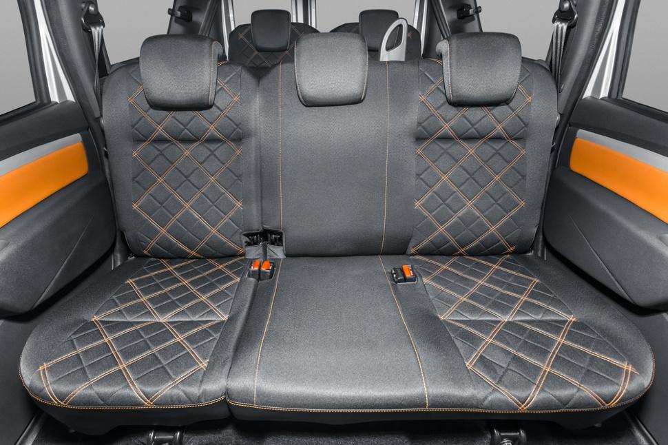Lada Largus Cross interior 2018