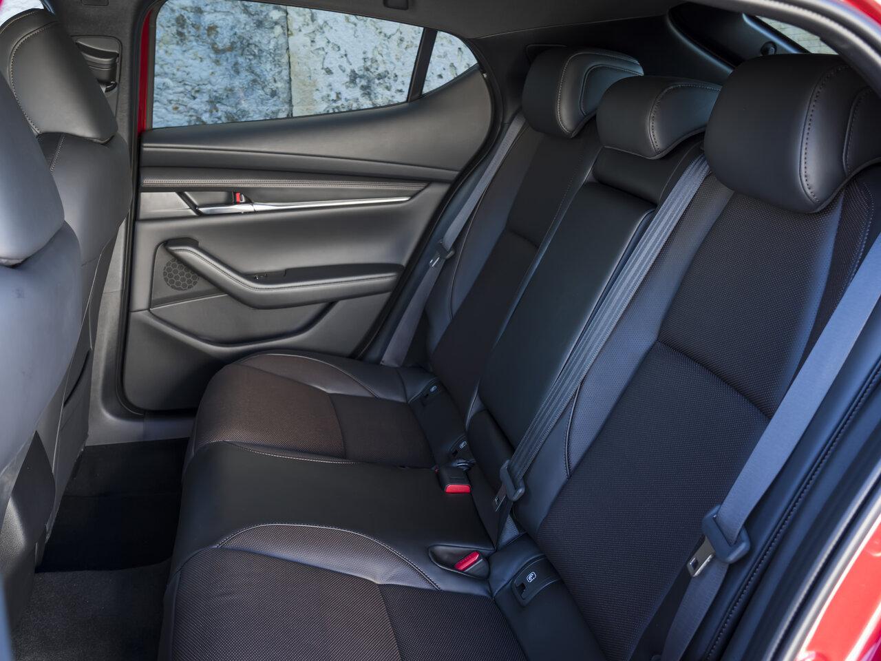 Mazda 3 2020 Салон