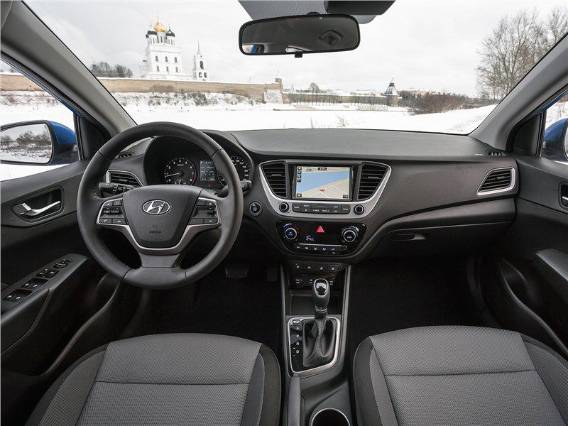 Hyundai Solaris interior