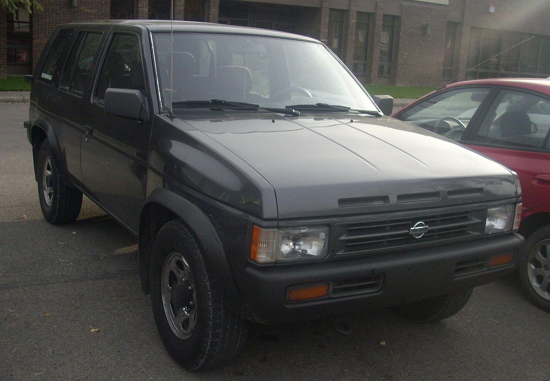 Nissan Pathfinder 1 поколение