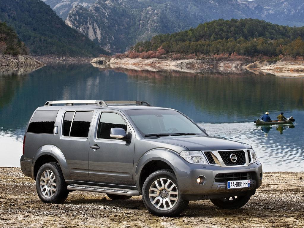 Nissan Pathfinder 3 поколение