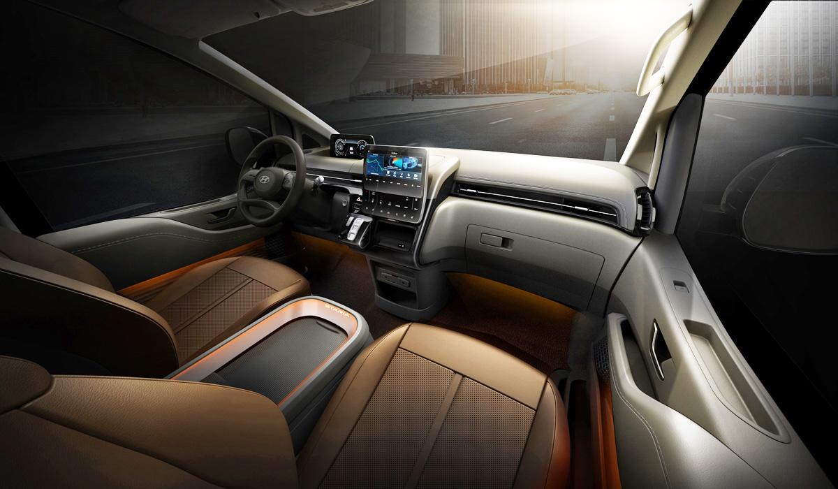 Hyundai Staria 2021 года