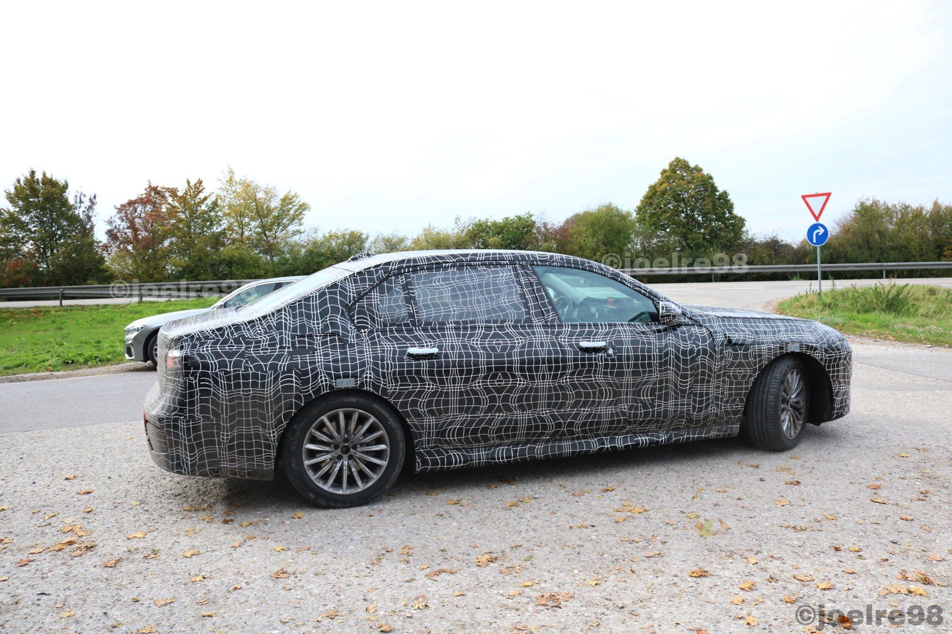 BMW 7 2022 g70